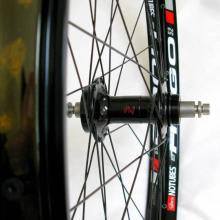 images/Wheels/Hugo/Stans_ZTR_Hugo_Rims_Phil_Wood_Hubs03.jpg