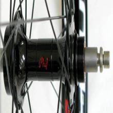 images/Wheels/Hugo/Stans_ZTR_Hugo_Rims_Phil_Wood_Hubs04.jpg
